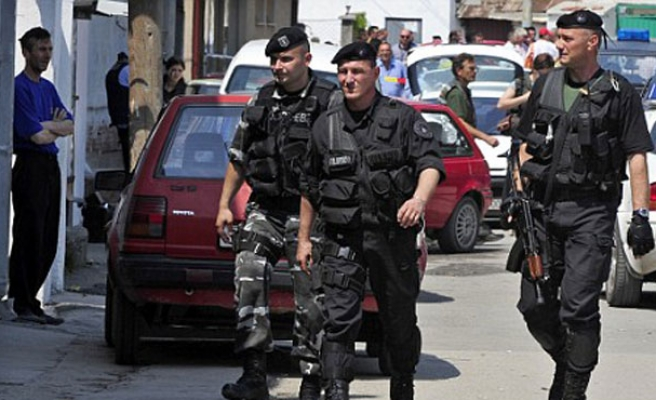 Fears of instability in Macedonia, 5 police killed