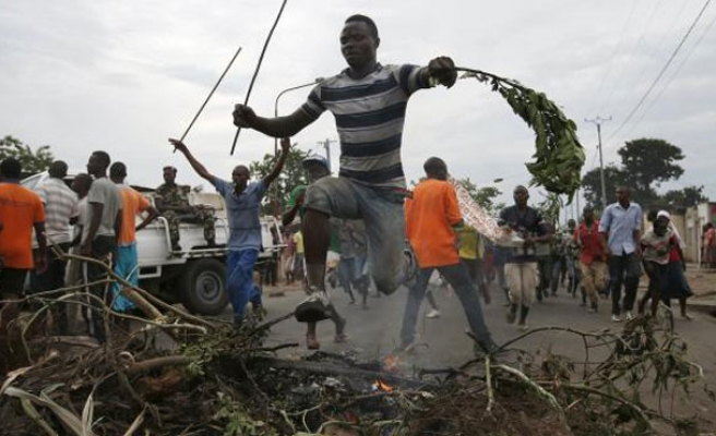 Burundi protesters gather again, defying threat of crackdown