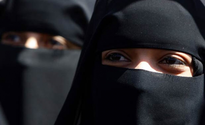 Egypt to ban niqab-wearing women from voting