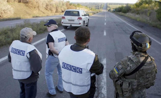 Foreign monitors under fire in east Ukraine