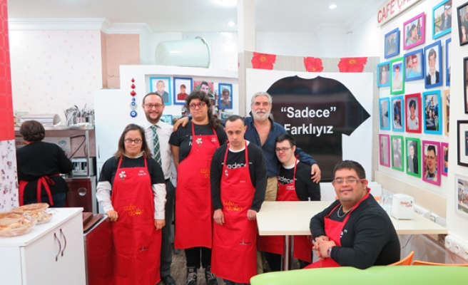 Istanbul cafe employs workers with Down syndrome