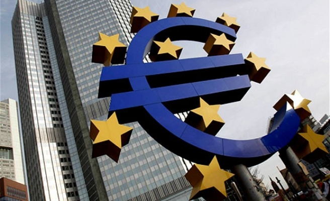 Eurozone set for 'moderate' recovery in 2016-2017
