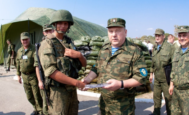 Russia paratroop chief says force willing to fight in Syria