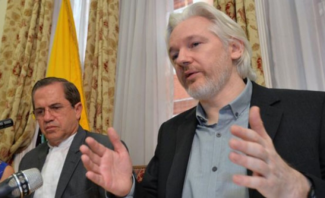 Assange: Clinton, ISIL funded by Saudi money
