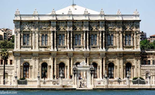 More than a million visit Turkey's Ottoman palaces