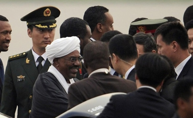 China's Xi calls indicted Sudan's Bashir 'old friend'