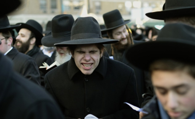 ultra orthodox jewish 3 yr olds taught non