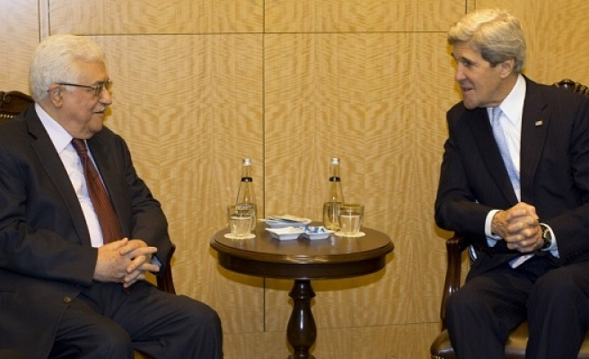 Abbas, Kerry to meet in October