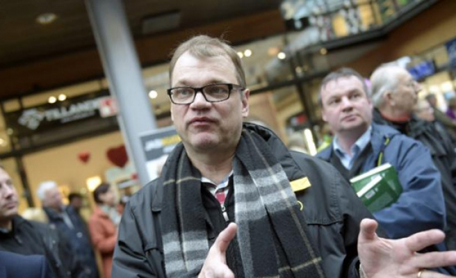 Finland's PM Sipila offers his home to refugees