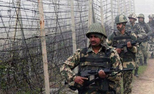 Security forces trade fire at Kashmir border