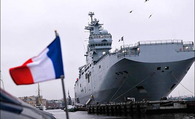 Egypt to buy two helicopter carriers from France