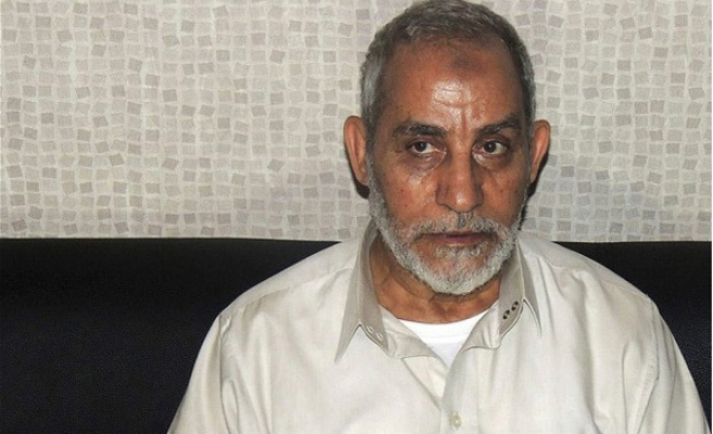 Brotherhood chief assaulted at Egypt trial