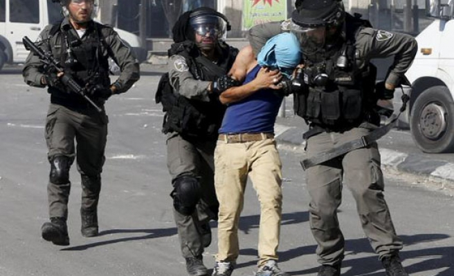 Israeli troops clash with Palestinians at Al Aqsa