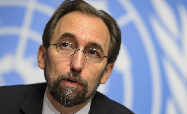 UN rights chief attacks 'rising roar of xenophobia'
