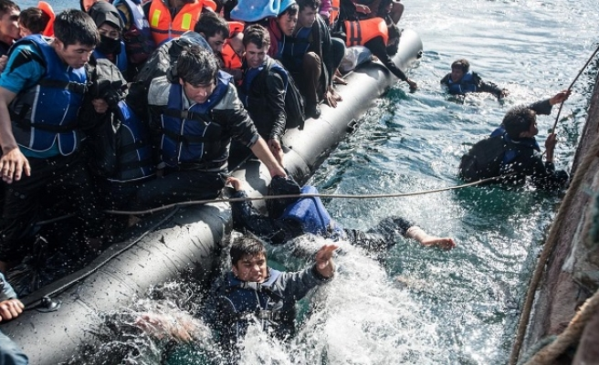 Guards rescue 97 refugees off Turkish coast