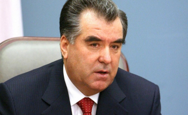 Tajikistan MPs back jail terms for insulting leader