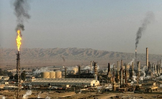 Iraqi forces retake country's largest oil refinery