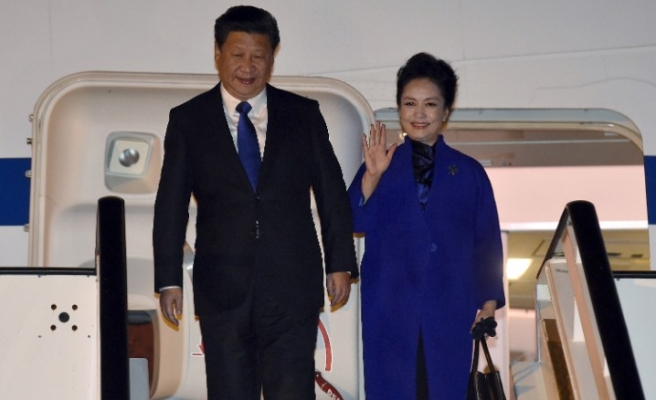 Pomp & protests greet China's Xi in UK