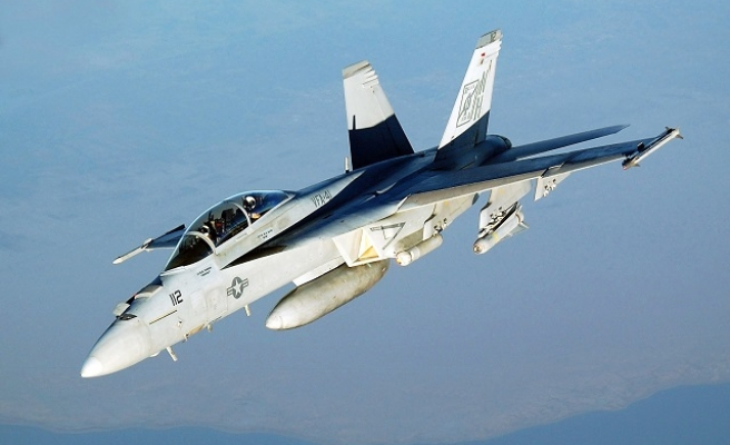 One dead after US fighter jet crashes in UK