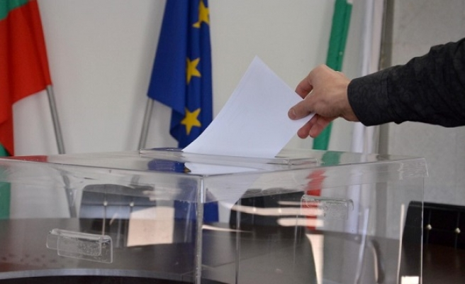 Test for PM as Bulgarians elect president