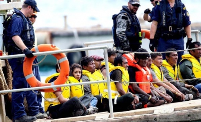 EU refugee arrivals hit 1.2mn in last 10 months
