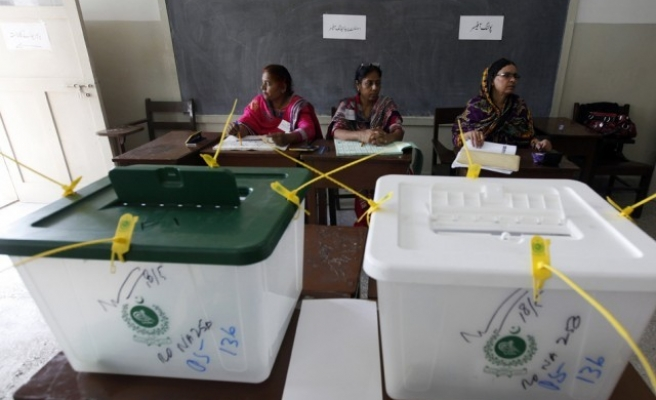 13 killed in election violence in Pakistan