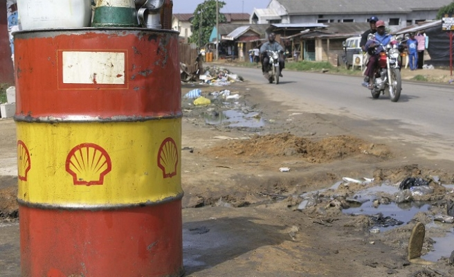 Shell, Nigeria accused over oil spill clean up