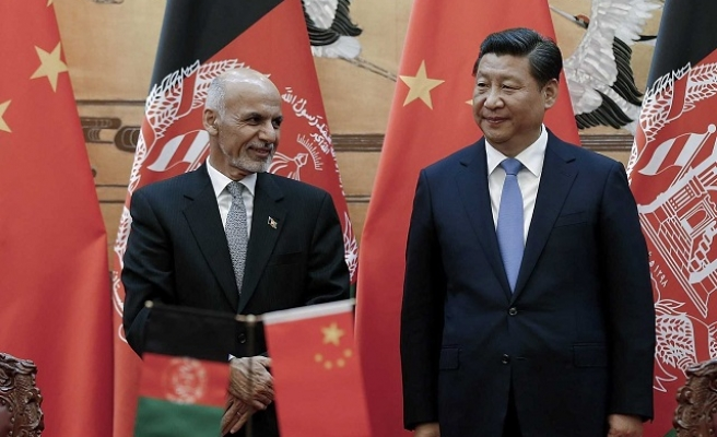 China sends humanitarian supplies to Afghanistan