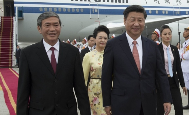 China's Xi urges stronger ties with Vietnam