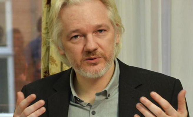 UN rules for UK to compensate Assange