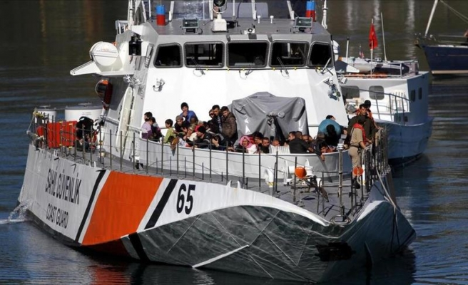 18 dead as another refugee boat sinks off Turkey