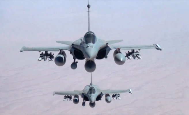 France to 'accelerate' Iraq, Syria air strikes