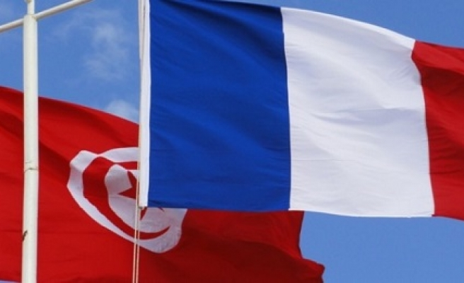 France pledges €1.1bn in aid to Tunisia