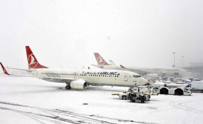 Snow forces cancellation of more than 200 Istanbul flights