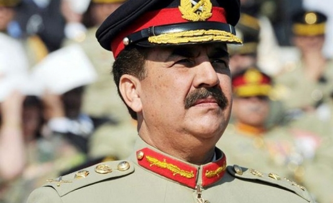 Powerful Pakistan army chief vows to retire on time