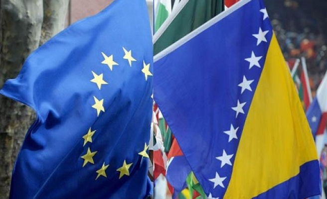 Bosnia submits EU membership application