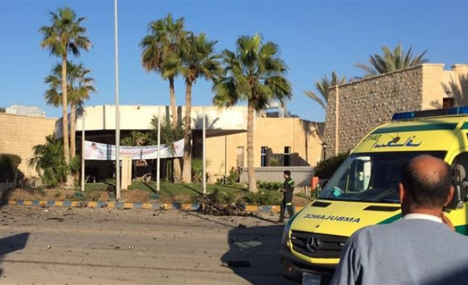 2 soldiers killed, 10 injured in Sinai violence