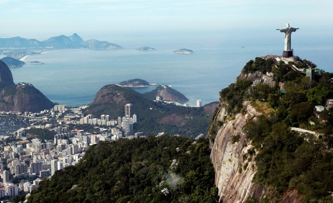 Brazil urges pregnant women to avoid Olympics over Zika