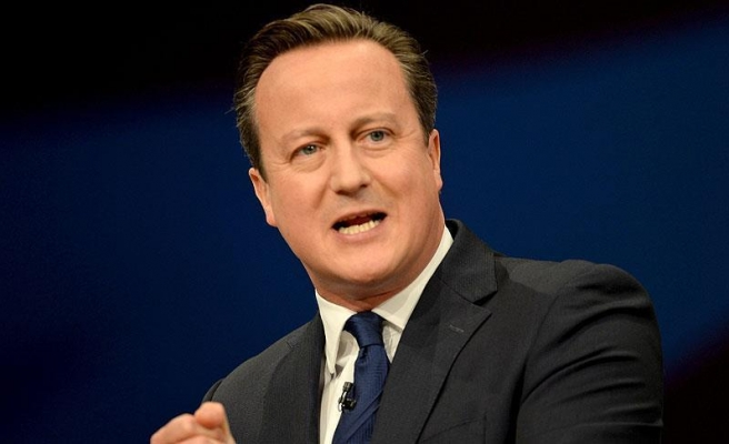 Cameron calls for new approach to Syria conflict