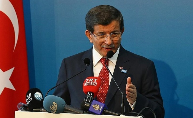Turkey PM urges US to act more 'determined' against Russia