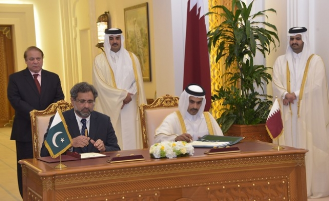Pakistan, Qatar sign 'game-changing' gas deal
