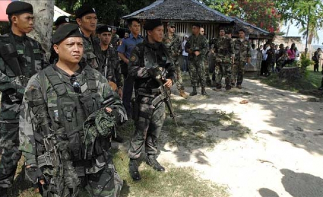 Philippines rebels, gov't fight for peace at Malaysia meet