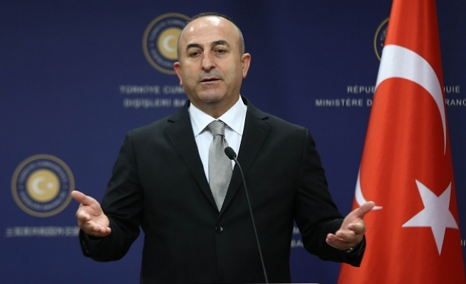 Turkey FM condemns reliance on PYD in ISIL fight