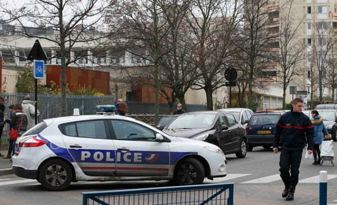 French teacher arrested for lying over ISIL attack