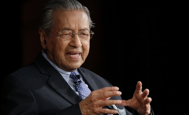 Malaysian ex-PM says ready to die over anti-govt claims