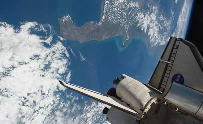 Astronauts complete 6.5-hour spacewalk