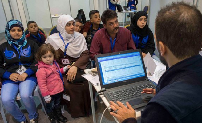 Canada to double refugee intake by end of 2016