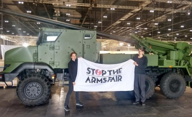 UK campaigners protest against arms fair
