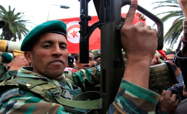 Military activity in Tunisia increasing