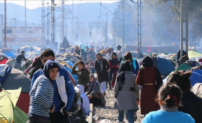 Turkey accepts 90 refugees from Greece